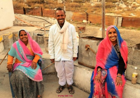 this farmer and his two wives from Rajasthan sprinted nearly 30 kms from Gangotri to Goumukh (the mouth of Gangotri glacier). In. One. Day! all for a bottle-ful of water from the glacier. Dang!